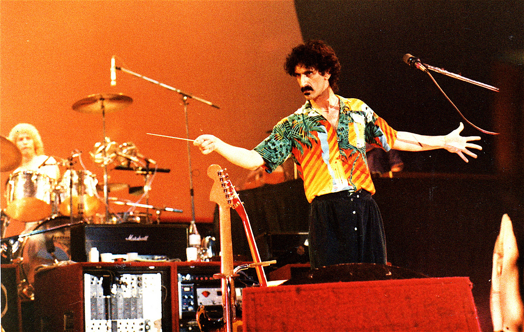 Frank zappa new york elsewhere documentaire rafelranden for Franks theater york pa