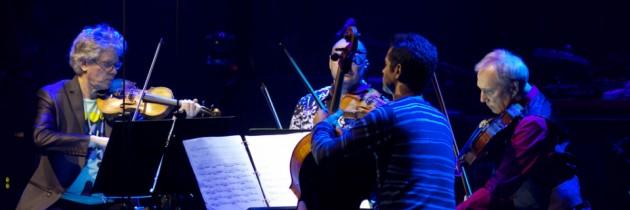 Kronos Quartet legt in Sesamstraat uit wat een strijkkwartet is