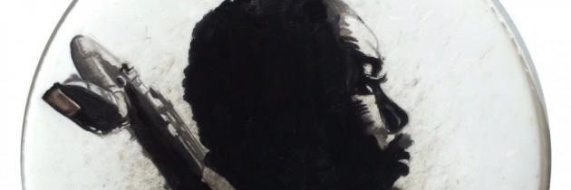 Murw geslagen drumvellen als canvas voor jazzportretten