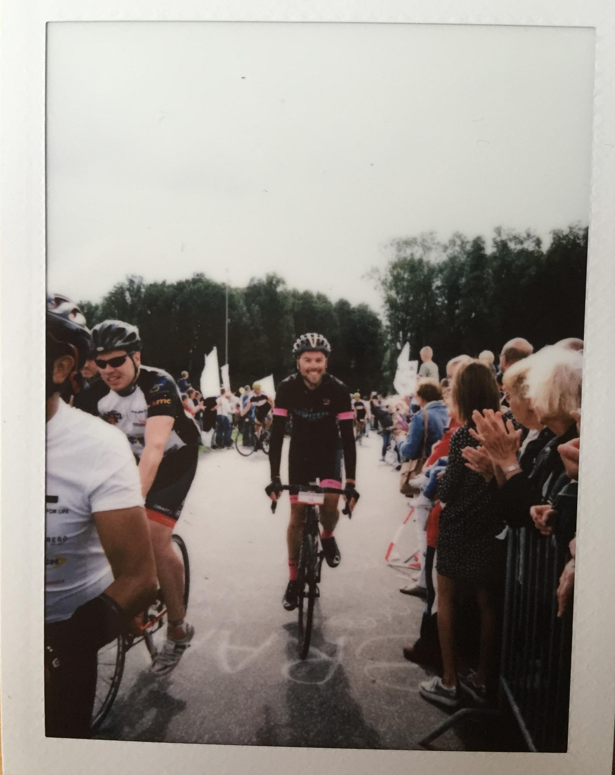 Over de finish in Rotterdam. Vintage foto door Jurgen Bakker.
